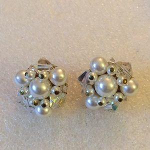 Vintage japan crystal clip on earring